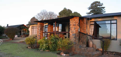 Family self catering accommodation at Lomas Creek Country Cottages close to Lydenburg, Dullstroom and Roossenekal